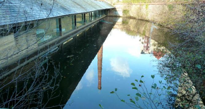 Le lavoir vu du canal